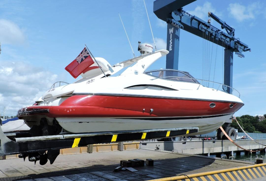Sunseeker, Superhawk, Saxon Wharf, Southampton, Survey