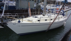 Bowman 40 in the slings at Shamrock Quay, Southamton for a pre-purchase survey